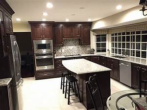 Giallo Light Granite Countertop with Cherry Wood Cabinet