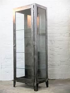 Vintage Industrial Möbel : works berlin works berlin vintage arztvitrine no 95 arztvitrine industrielle vitrine ~ Markanthonyermac.com Haus und Dekorationen