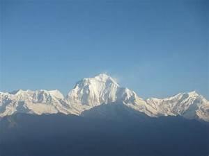 Annapurna-Range - Picture of Annapurna Mountain Range ...