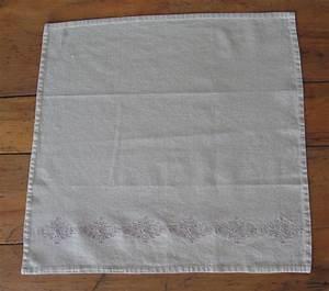 Serviette De Table En Tissu : pliage de serviette de table r aliser un sac main avec une serviette en papier l art du ~ Teatrodelosmanantiales.com Idées de Décoration