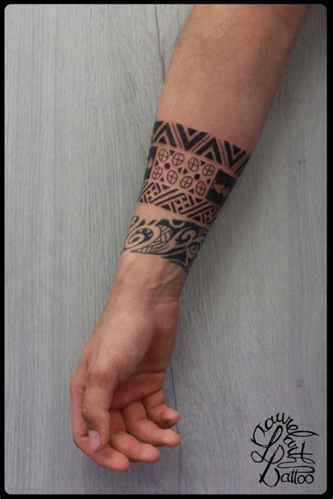 tatouage homme avant bras bracelet altoservices