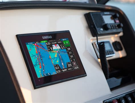Best Marine Gps For Small Boat by Choosing A Radar Scanner For Your Boat West Marine