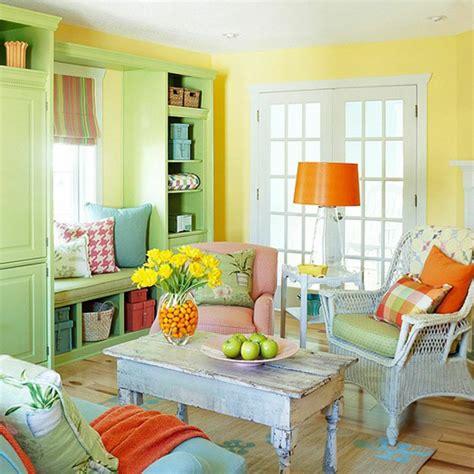 Einrichtung Kleiner Kuechekleine Kueche In Gruen Und Gelb by Wohnidee Wohnzimmer Richten Sie Ihr Wohnzimmer In Gr 252 N Ein