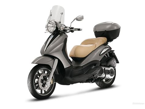 Review Piaggio Beverly by Piaggio Beverly Review And Photos