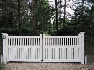 open houten inrijhekken en inrijpoorten farm poorten