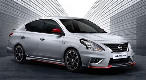 File:2009 Nissan Tiida (C11 MY07) ST hatchback 02.jpg ...