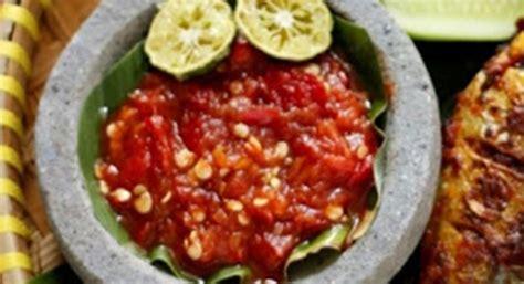 Resep sambal selingkuh dan cara membuat sambal cabai hijau tomat merah lengkap bahan resep sambal terasi goreng serta cara bikin sambal tetap enak dan sedap loh! Resep Sambal Enak Pedas Ayam Goreng Bakar | Resep Dapoer Ibu