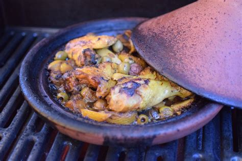 cuisiner avec un tajine en terre cuite le poulet au citron confit lovalinda