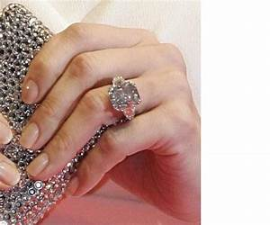Jennifer lopez memorable engagement rings fully engaged for Jlo wedding ring
