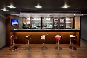 Bar De Salon Moderne : bar design pour salon cosmeticuprise ~ Teatrodelosmanantiales.com Idées de Décoration