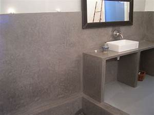 Tadelakt de marrakech lahouari tahiri salle de bain en for Salle de bain tadelakt gris