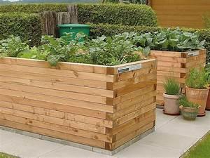 Hochbeet Im Garten : hochbeet l rchenkantholz blickfang bepflanzung im garten ~ Lizthompson.info Haus und Dekorationen