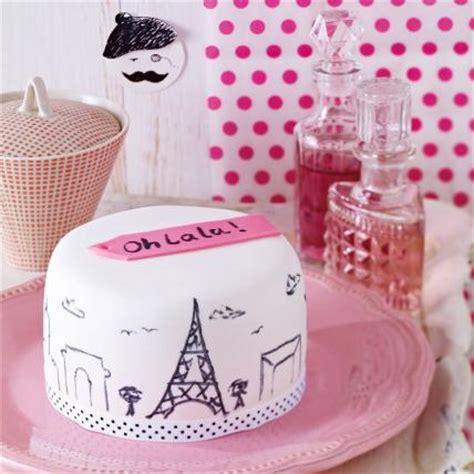 dekor fondant torte dekorieren so gelingt die perfekte motivtorte