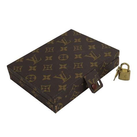 louis vuitton small vintage jewelry box  chic selection
