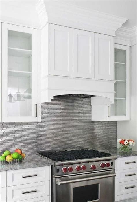kitchens with backsplash pin tillagd av annica på kitchens
