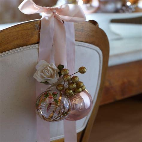decoration de chaise pour noel joyeux noël avec nos 35 idées de déco de table pour noël