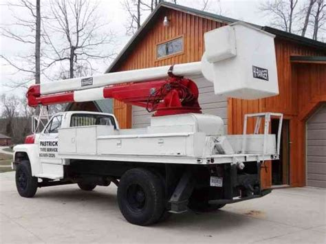 ford   bucket boom trucks