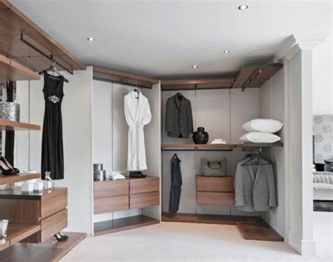 Luxus Begehbarer Kleiderschrank  Bedarf Oder Verwöhnung?