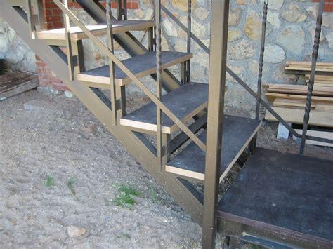 Ārējās saplākšņa kāpnes