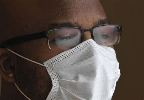 5 Tips To Avoid Foggy Glasses While Wearing A Face Mask