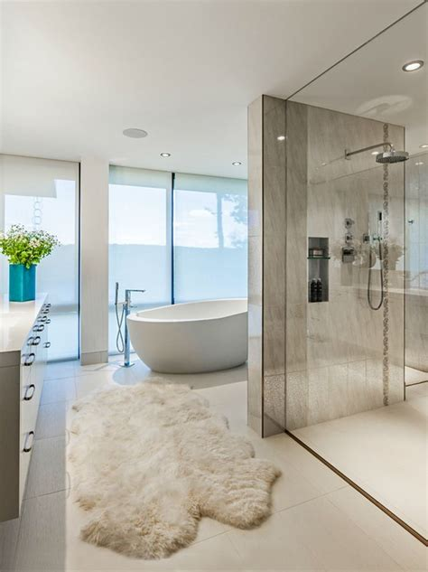 Best 25+ Modern Bathroom Decor Ideas On Pinterest  Half