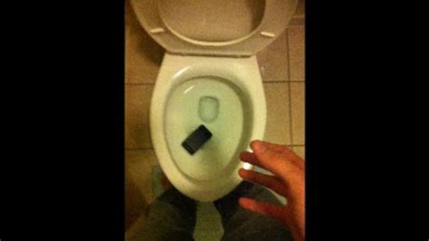 dropped my iphone in the toilet iphone dropped in toilet on vimeo