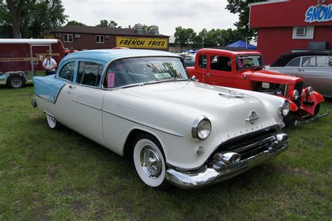 "54 Oldsmobile Super 88 | MSRA ""BACK TO THE 50′s"" 40th ..."