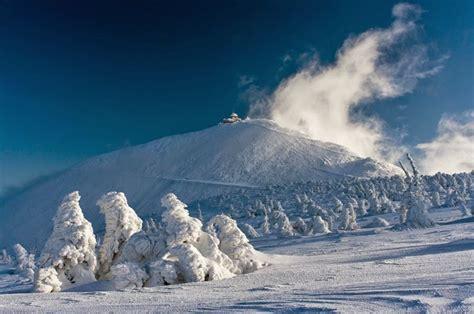 beautiful winter   karkonosze mountains poland