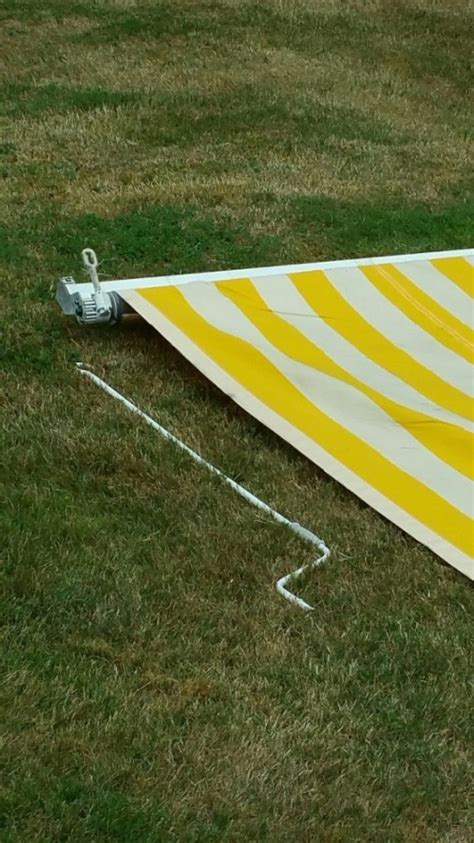 rv manual retractable awning