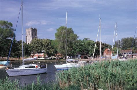 Fishing Boat Hire Christchurch by Caravans For Hire And Touring Sites In Christchurch Dorset