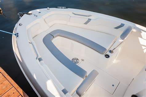 Bay Boats With Front Seating by Striper 200 Cc Small Boat With Big Boat Features Boats