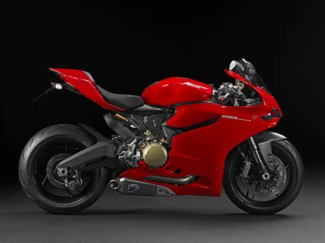 Ducati 899 Panigale by Ducati 899 Panigale Gets A Boost For 2016 Mcn