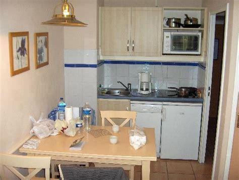 amenagement coin cuisine coin cuisine photo de vacances résidence les rivages du parc menton tripadvisor