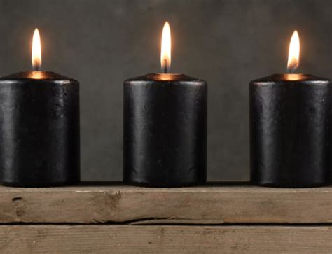Moss Lighting by 4 Large Black Votive Candles