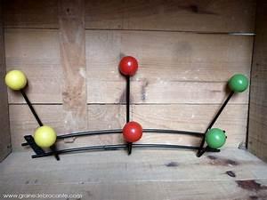 Porte Manteau Vintage : porte manteaux boules vintage r ve de brocante ~ Teatrodelosmanantiales.com Idées de Décoration