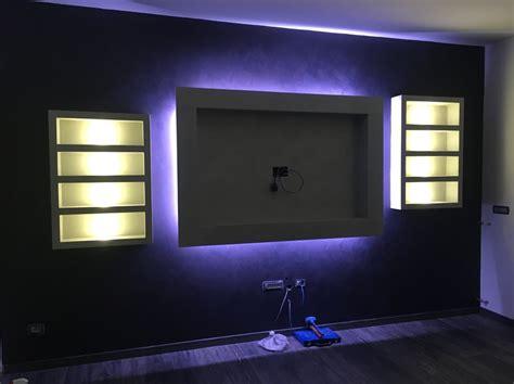 Cornice In Cartongesso Per Tv foto cornice tv in cartongesso retroilluminata di edil