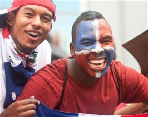 bronx dominican parade marches  sunday concourse