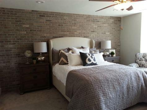 tapisserie de chambre a coucher papier peint imitation brique dans la chambre à coucher