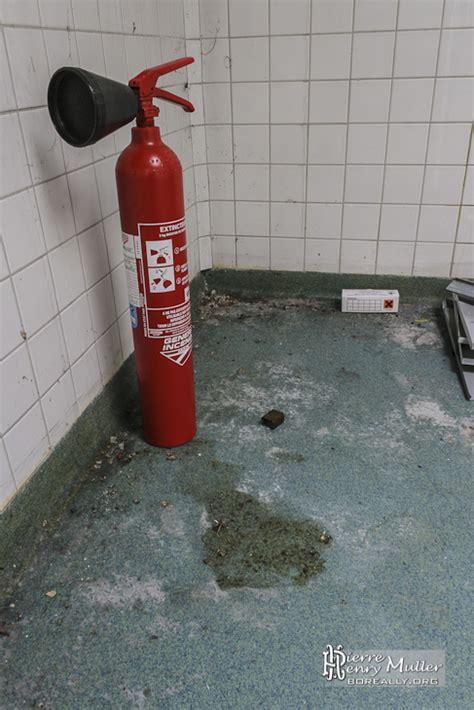 extincteur cuisine extincteur et mort aux rats dans la cuisine de l