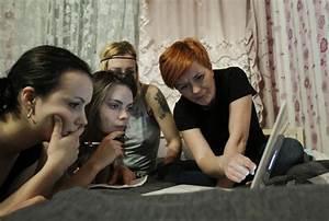 Women Go Topless Against Putin [PHOTOS]