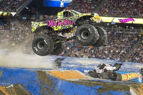 monster truck jam vancouver action packed monster jam returns to vancouver this march