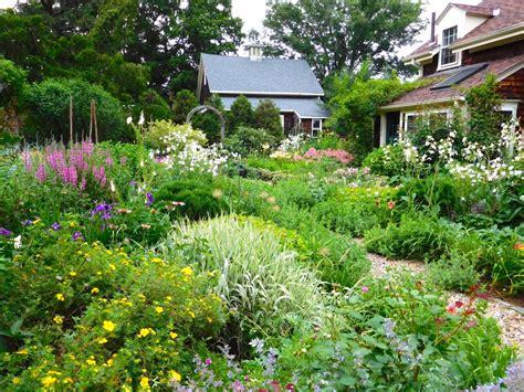 Large Kitchen Island Ideas - cottage garden design ideas hgtv
