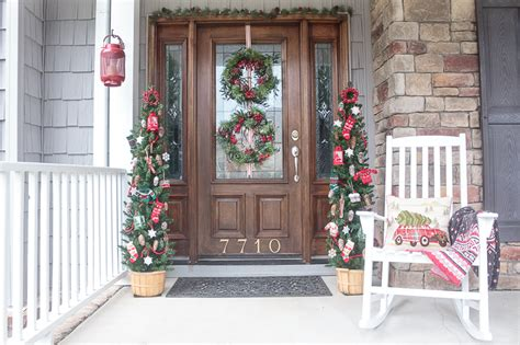 front porch decorating ideas youll   copy  christmas