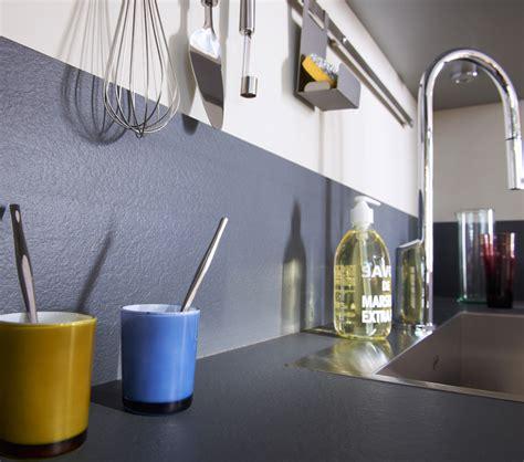 cuisine porcelanosa plan de travail et crédence des idées pour les associer
