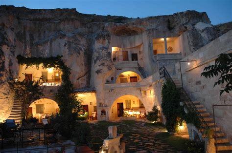 chambres troglodytes hôtel troglodyte en turquie en cappadoce hôtel grotte