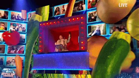 Stephen Mulhern GIFs - Find & Share on GIPHY