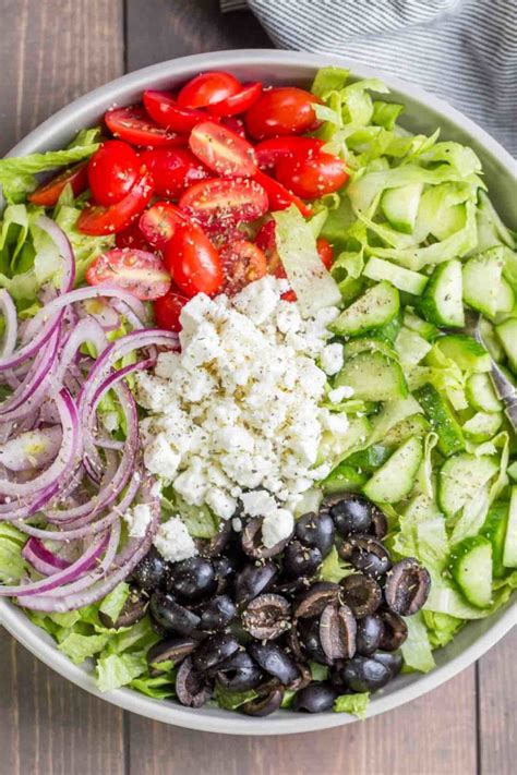 🏅 Receita de salada grega (com molho caseiro)