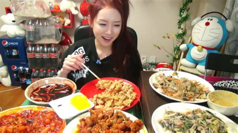 South Korean Woman Makes A Fortune By Livestreaming