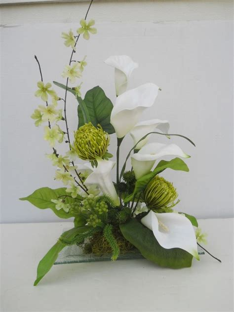 silk calla lily flower floral arrangement table