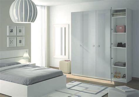 armoire de chambre sur mesure un rangement harmonieux